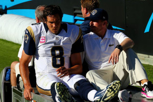Rams lose Bradford to a torn ACL
