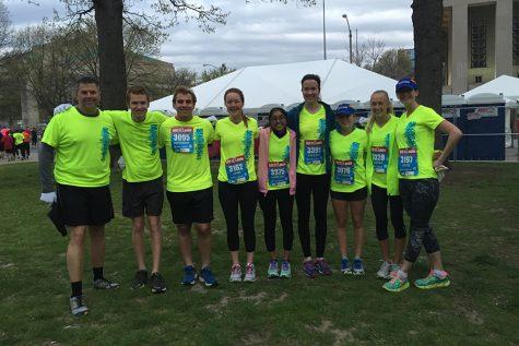 Seven students complete GO! St.Louis half marathon