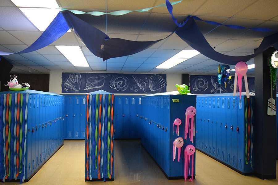 Homecoming floor decorations kick off Homecoming Week