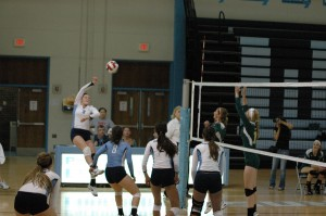 Girls Volleyball Looks Towards Districts