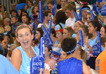 Students gather for pep rally, kick-off homecoming weekend