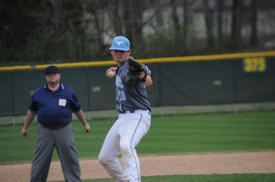 Sophomore+Daniel+Bickert+pitches+at+Lindbergh+against+the+Flyers+on+Saturday%2C+April+12.+