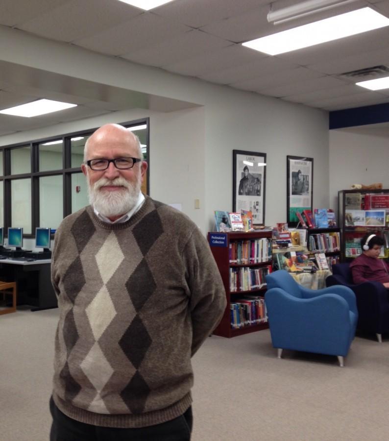 Lou+Jobst%2C+MOSAICS+academy+specialist%2C+enjoys+the+library+atmosphere.+