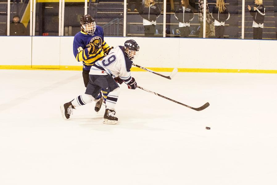 Charging+forward+to+take+the+puck%2C+junior+Nick+Balestra+leads+his+team+through+an+aggressive+offense.+