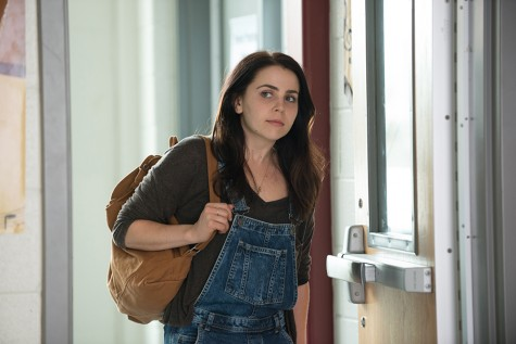 Mae Whitman promotes teen self confidence