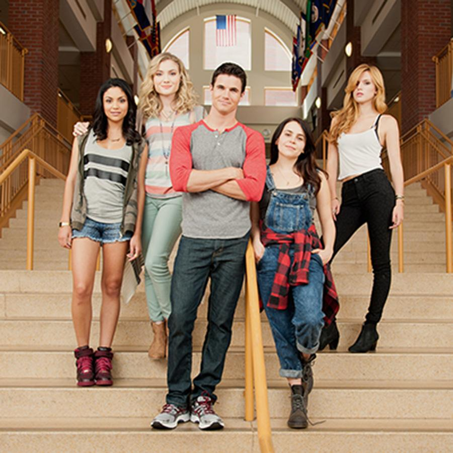 Bianca Santos, Skyler Samuels, Robbie Amell, Mae Whitman and Bella Thorne in The DUFF, to be released on February 20th by Lionsgate and CBS Films.