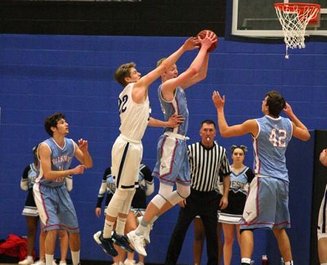 Boys basketball prepares for district playoffs
