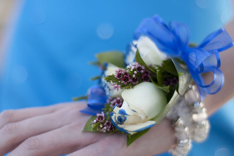Corsage Fundraiser at Zengel Flowers supports Senior Graduation Lock-In