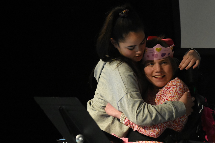 During theater mentor class, senior Miqueyla Lopez hugs senior Kathryn Kerckhoff. Lopez has participated in PE Mentor classes and cooking mentor classes, but this is her first time in the theater class.