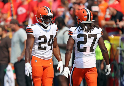Cleveland Browns running back Nick Chubb and Cleveland Browns running back Kareem Hunt warm up prior to the game against the Kansas City Chiefs.