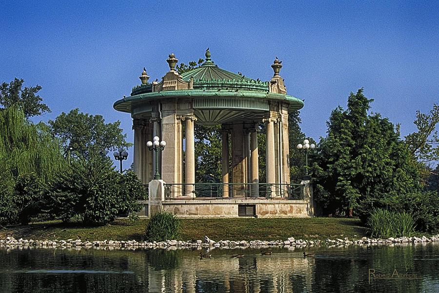 forest-park-gazebo-st-louis-robert-albrecht
