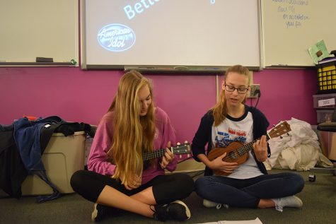 "Honors English I students compete in mock ""American Idol"""