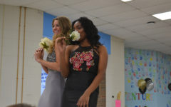 Great Gatsby prom fashion show models have a roaring good time