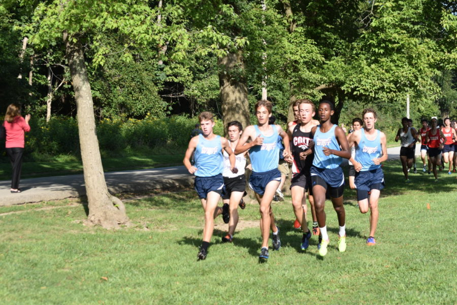 Boys cross country wraps up with eighth place at Nike Midwest Regionals