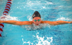 Girls swim and dive kicks off season