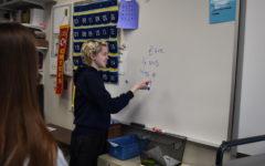 Sophomore Gabe Davis volunteers to teach French to children